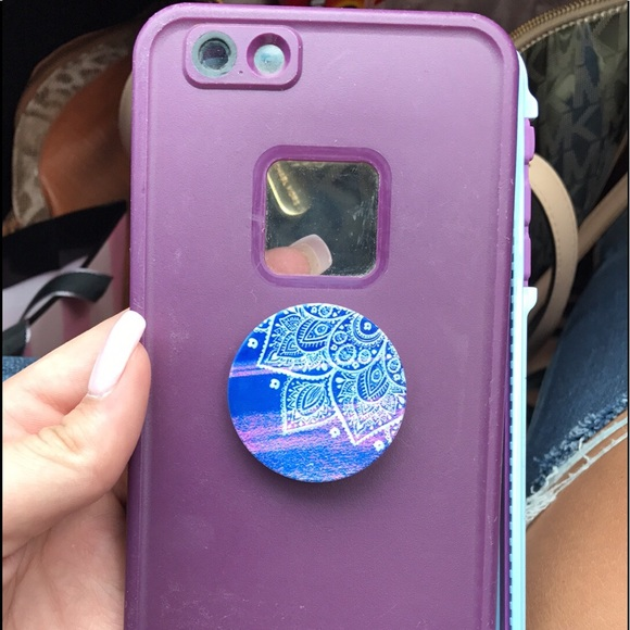 new arrival c54df 4a85b life proof case and pop socket
