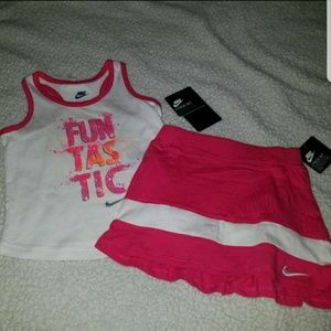 Nike Other - Nwt nike outfit 2 piece set girls 24 months