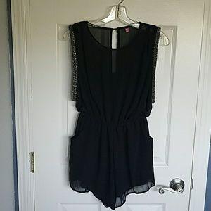 she inside Other - Black Slinky Sleeveless Romper with pockets