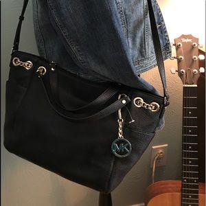 e2bb2cea9d23 Michael Kors Bags - Michael Kors Jet Set Chain Gather Shoulder bag