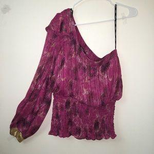 XOXO Tops - ⭕️One sleeve blouse no sleeve cold shoulder⭕️