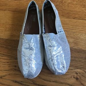 TOMS Other - Tom's silver sparkle glitter slip on shoes Y2.5