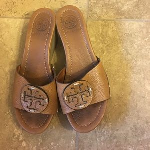 Shoes - Tory Burch leather wedge sandals size 7