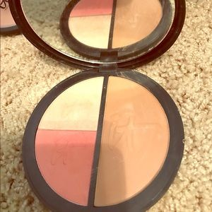 it cosmetics Other - Face disc from it cosmetics