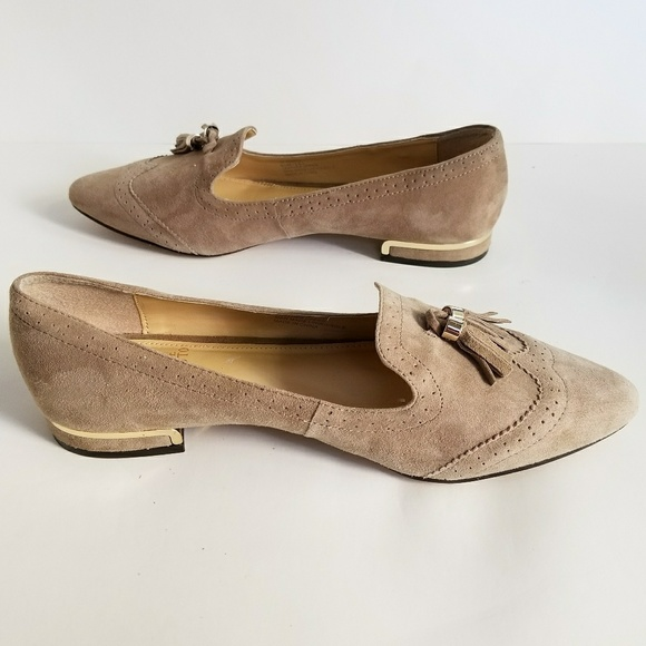 Cruise is one of the leading Gucci UK retailers for Men's and Women's Gucci Shoes, Clothing, & Accessories from the iconic brand. Stocking a sublime collection of Gucci trainers belts, bags, loafers, jackets, dresses and many more, we are sure to have something for you no matter what the occasion.