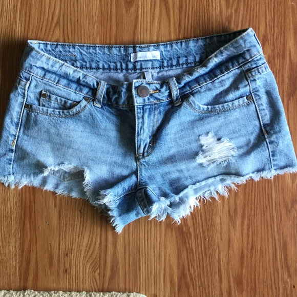 Pants - O'Neill distressed shorts
