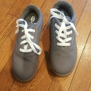 17b7411d23e3 Heelys Shoes - HEELYS GREY SNEAKERS SIZE YOUTH 6 EUR 38