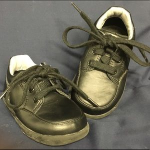 Stride Rite Other - Stride Rite Size 6W Black shoes