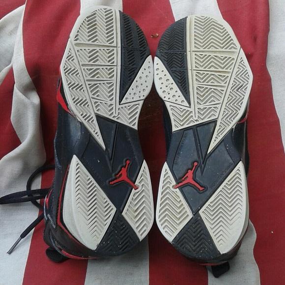3e1e1ce8257ad9 Nike Shox Revolution Basketball Mens Nike High Top Trainers