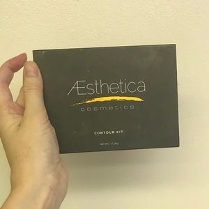 Aesthetica Other - Aesthetica contour kit