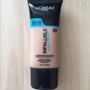 L'Oreal Other - L'Oréal Infallible Pro-Glow foundation
