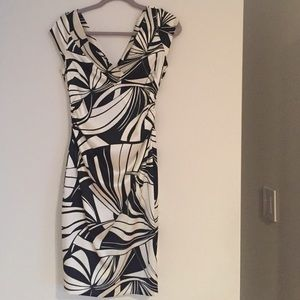 Maggy London black and white dress size 4