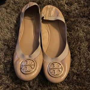 Tory Burch Shoes - Tory burch Caroline tan flats
