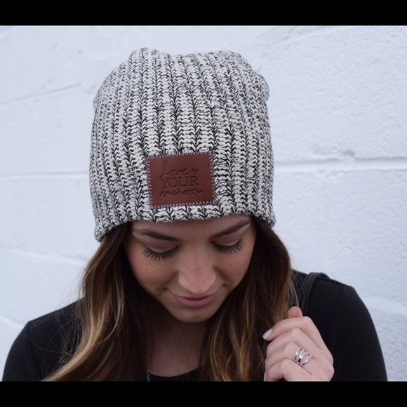 Love Your Melon Accessories - Love Your Melon Black Speckled Beanie 4e9840030de
