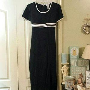 Scarlett Dresses & Skirts - Scarlett Black & White Dress. Size 7/8.