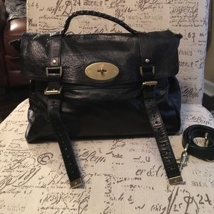 Mulberry Handbags - EUC Mulberry Alexa in black leather