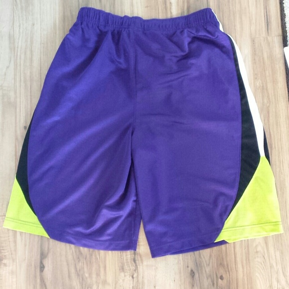 Nike - Nike Mens Athletic shorts XL Pockets from Kandie's ...