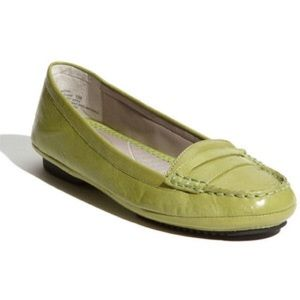 me too Shoes - Olive Green Loafers by Me Too Sz 11