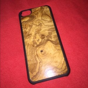 """Carven Accessories - """"CARVED"""" PHONE CASE!!📱"""