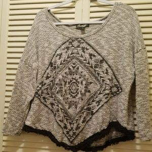 Absolutely Famous Tops - Fringed cute top