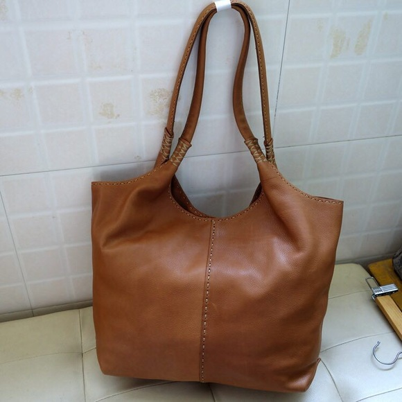 how to clean a frye bag