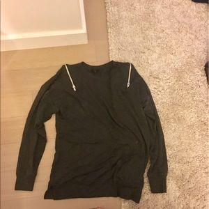 SEN Sweaters - Grey sweater with zipper detail