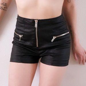 Dollskill Pants - Leather shorts