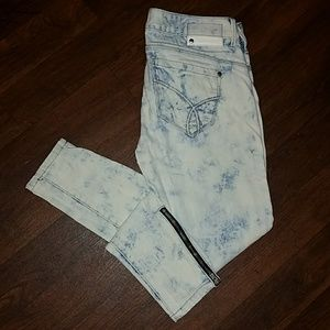 Calvin Klein Jeans Denim - 🌻🌻Calvin Klein Skinny washed out jeans🌻🌻