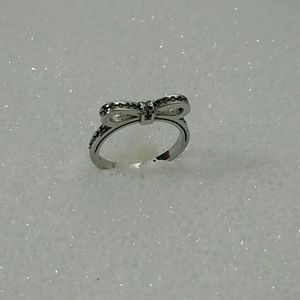 Jewelry - S925 bow ring
