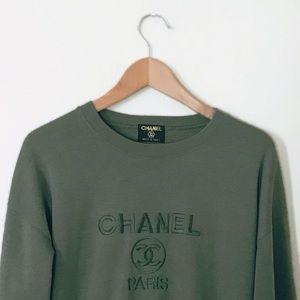 Sweaters - Vintage //CHANEL\\ crewneck