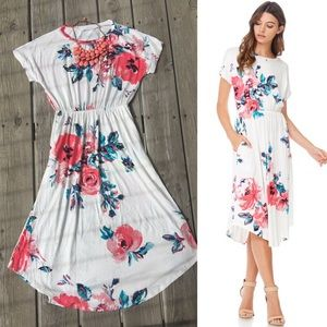 Dresses & Skirts - Ivory white floral side pocket tunic dress
