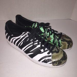 Adidas zapatos hombre  animal print Superstars zapatilla 105 poshmark