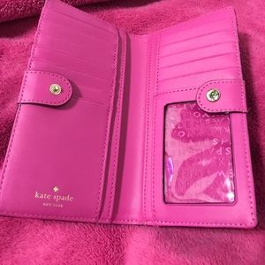 kate spade Bags - Kate Spade Stacy black and pink wallet