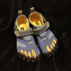 Vibram Shoes - Vibram FiveFingers - KomodoSport Shoes - 39