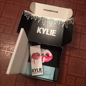 """Kylie Jenner """"Candy K"""" Lip Kit"""