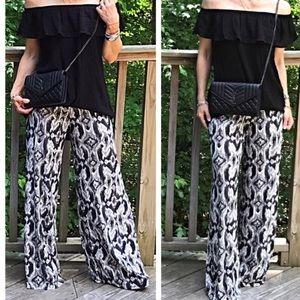 Classic Woman Pants - Exotic Pattern Gaucho Wide Leg Pants
