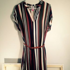 Dresses & Skirts - 💔👗Vintage style belted striped dress