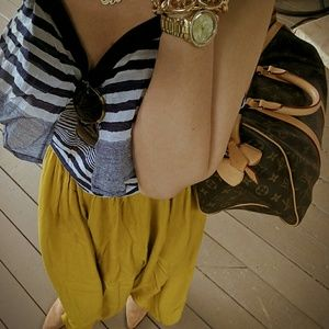 Topshop Dresses & Skirts - Topshop mustard pleated midi skirt