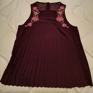 American Eagle Outfitters Tops - Add on! AE pleated embroidered flowers tank
