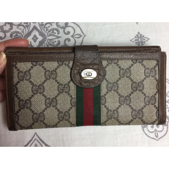 39f40455a82 Gucci Handbags - Vintage Gucci Coated Canvas Checkbook Long Wallet