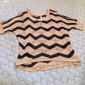 Annabelle Tops - Cute black & tan lightweight sweater