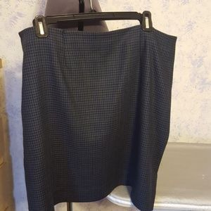 Dresses & Skirts - Blue/black lined wool houndstooth skirt