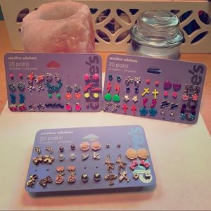 Claire's Jewelry - 💥Claire's💥Earring Bundle✌🏼