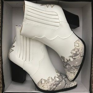 Missguided Shoes - White + Faux Snakeskin Western Ankle Boots