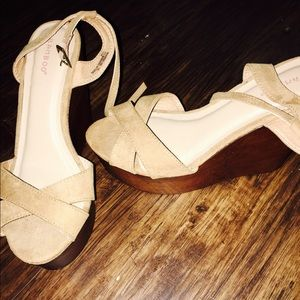 2bamboo Shoes - Wood and tan leather platform heels