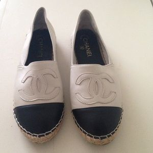 CHANEL Shoes - Leather flat shoes