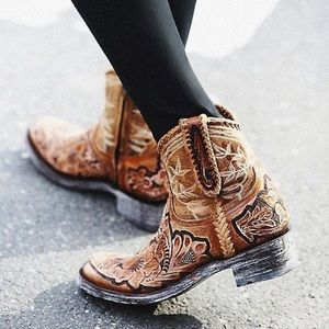 Lucchese Shoes - Western style Cowboy boots from texas