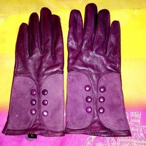 Alexandra Bartlett Accessories - Beautiful purple Alexandra Bartlett gloves Size L
