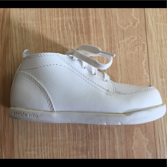 62 stride rite other stride rite white leather baby