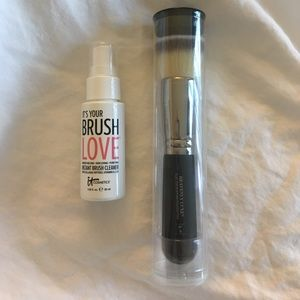 it cosmetics Other - It Cosmetics Brush and cleaner